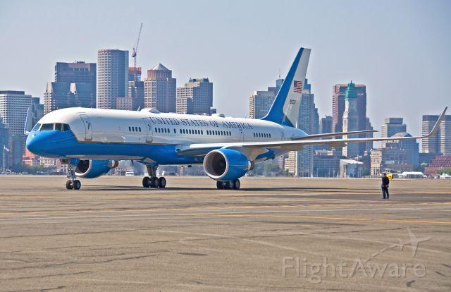 Boeing 757-200 (09-0017) - USAF C-32