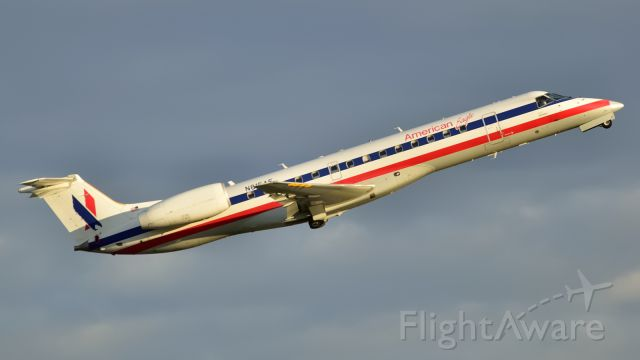 Embraer ERJ-145 (N815AE)