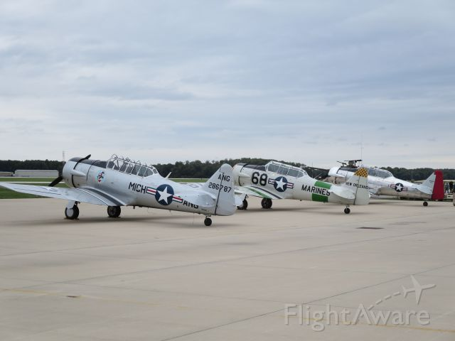 North American T-6 Texan (28-6787) - AT-6s lined up for formation flying @ KEKM 2015