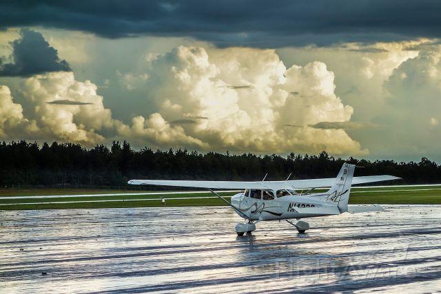 Cessna Skyhawk (N1433S) - Evening Departure