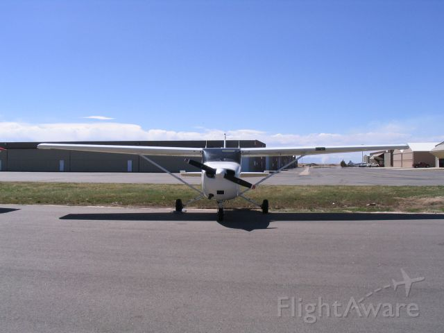 Cessna Skyhawk (N2106T) - Freshly washed and ready to fly. 4/12/06