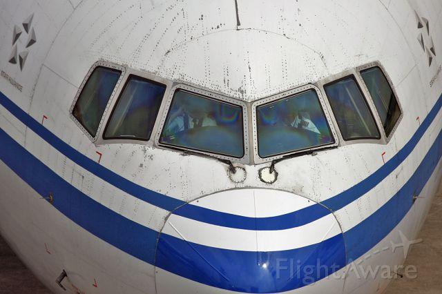Boeing 777-200 (B-2063) - Just arriving
