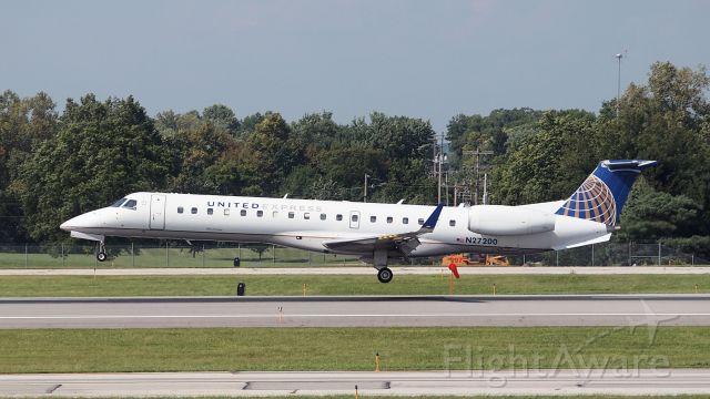 Embraer EMB-145XR (N27200)