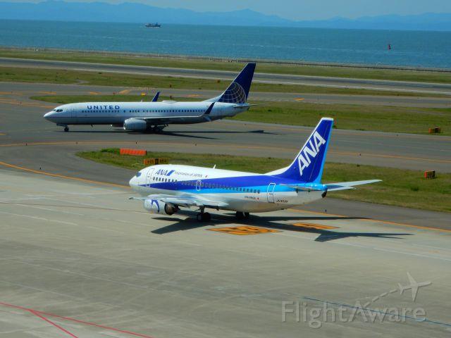 Boeing 737-700 (JA302K)