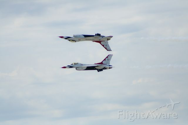 Lockheed F-16 Fighting Falcon — - The USAF Thunderbirds perform at the Charles B. Wheeler Airport/ K.C. Aviation Expo in Kansas City, Missouri