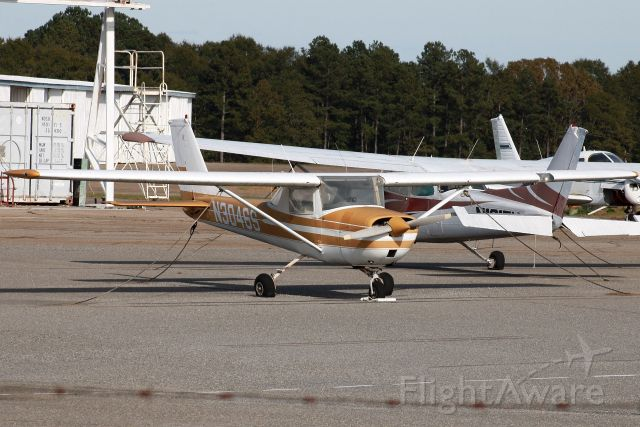 Cessna Commuter (N3046S) - Note the deflated tires on the aircraft. It looks as if they weren't flown in a while!