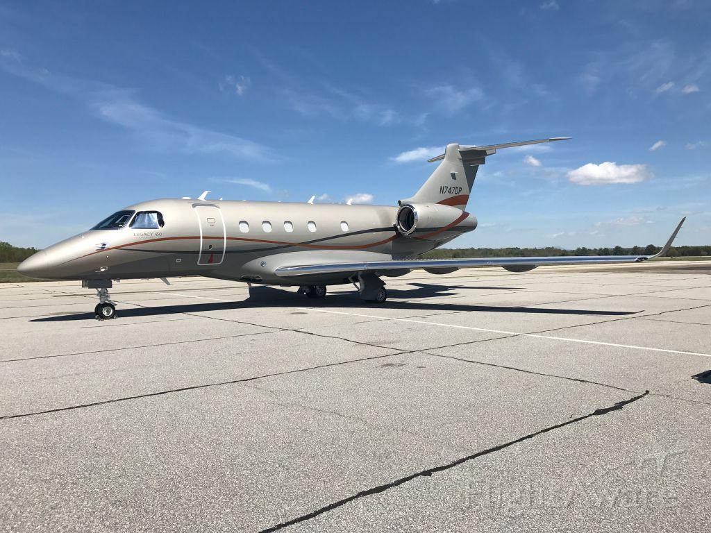 Embraer Legacy 450 (N747DP)