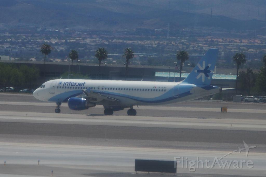 Airbus A320 (XA-BAV)