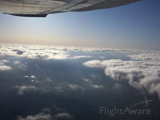 Cessna 206 Stationair (N2070K) - Dropped a load of skydivers.
