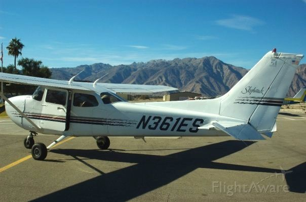 Cessna Skyhawk (N361ES) - One Echo Sierra parked on the ramp at Borrego Valley airport, California. A magnificent aircraft that has been known to cross the Mojave Desert with ease.