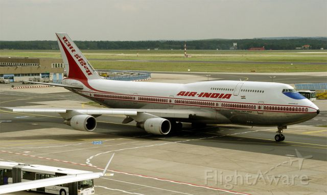 Boeing 747-400 — - Queen of the skies Boeing 747-400 sir laxman arriving in Mumbai India from EGLL