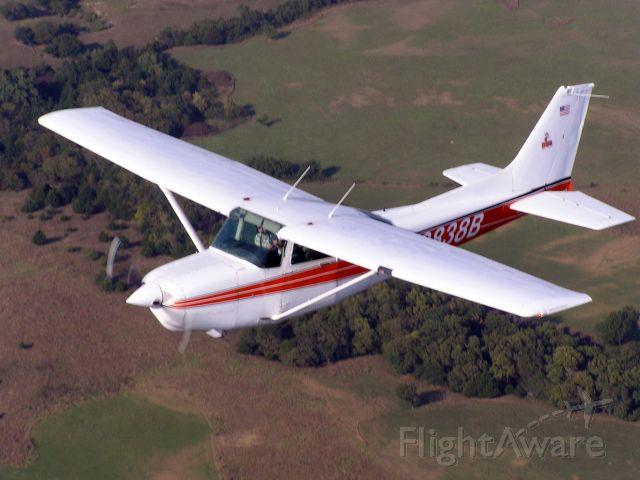 Cessna Skyhawk (N9838B)