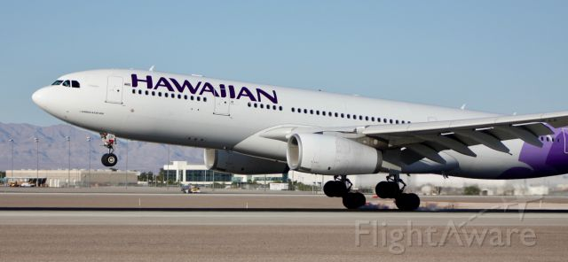 Airbus A330-200 (N391HA) - Touching down on 26L from HNL