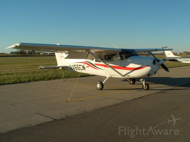 Cessna Skyhawk (N466CM) - Cessna 172 owned by the University of Central Missouri before an evening flight.