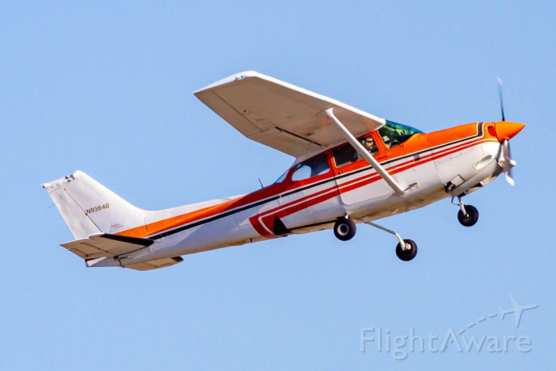 Cessna Cutlass RG (N9564B)
