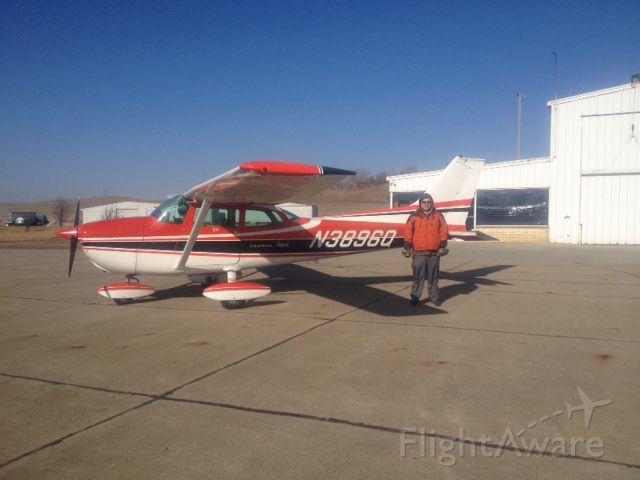 Cessna Skyhawk (N3896Q)
