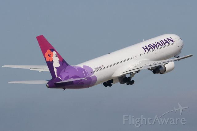 — — - BOEING AIRCRAFT WONDERFUL - 767-200<br />HAWAIIAN AIRLINES,<br />CHARTER FLIGHTS BOLIVIA EXPRESS WORLDWIDE CORPORATIVA