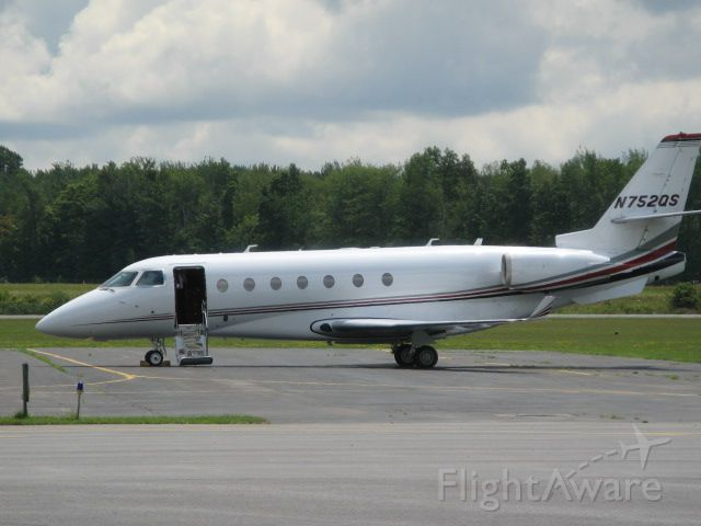 IAI Gulfstream G200 (N752QS) - 2006 IAI Gulfstream G200 at Fulton, NY, after flight from KBWI on 8/7/08.  Returned to KBWI same day.