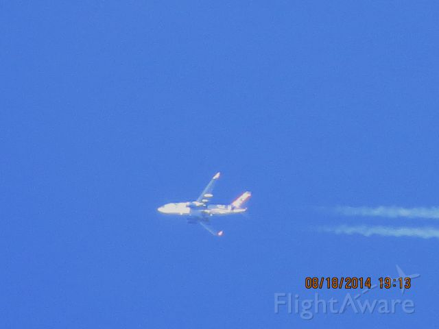 Boeing 737-700 (N715SY) - Sun Country Airlines flight 9200 from ABI to MSP over Southwestern Missouri at 41k feet.