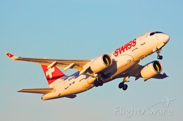 Airbus A220-100 (HB-JBF)