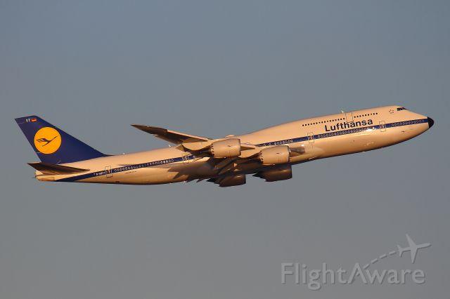 BOEING 747-8 (D-ABYT) - 2016/01/10