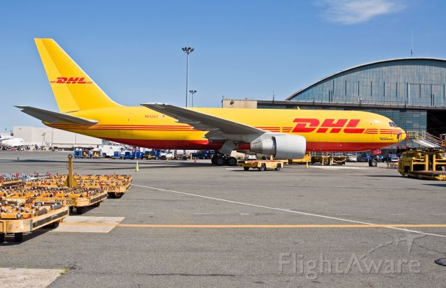 BOEING 767-200 (N652GT) - B762-200 classic freighter