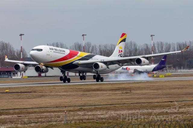 Airbus A340-300 (OO-ABD) - OO-ABD - Airbus A340-313 - Air Belgium