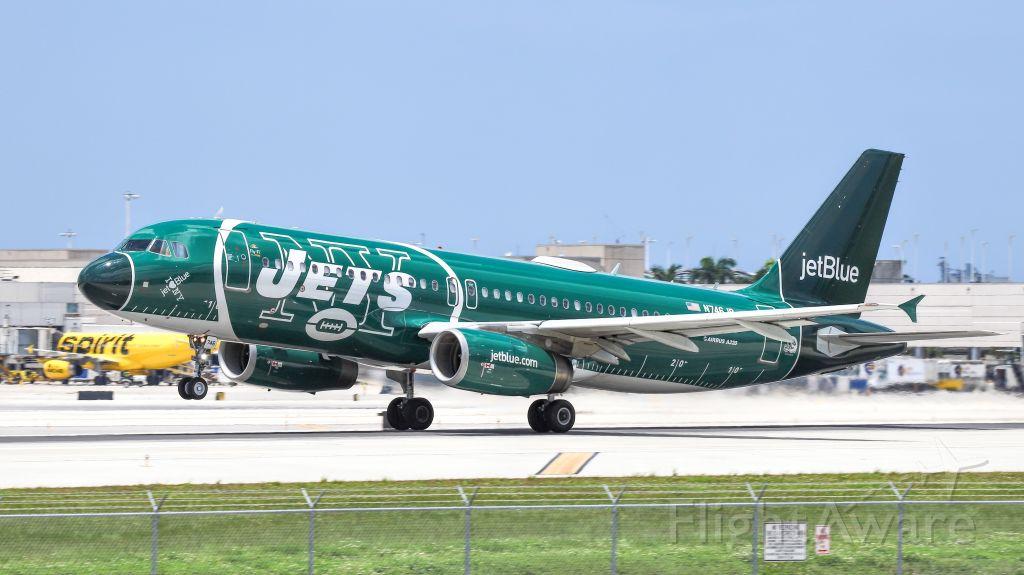 Airbus A320 (N746JB) - Takeoff out of RWY 28L