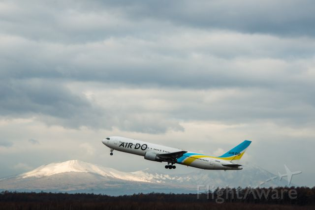 BOEING 767-300 (JA601A)