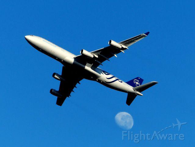 Airbus A340-300 (LV-FPV) - Una toma muy buscada que siempre da buenos resultados.