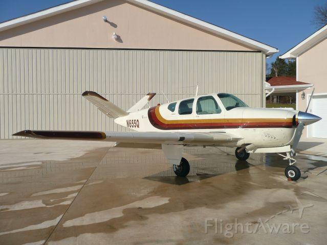 Beechcraft 35 Bonanza (N655Q)