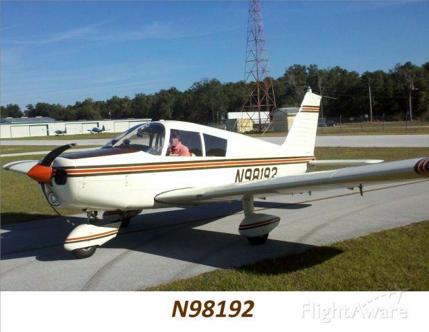 Piper Cherokee (N98192) - Taxiing to hangar