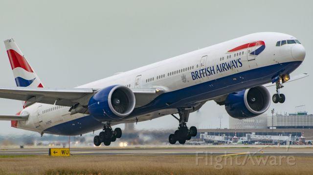 BOEING 777-300ER (G-STBG) - British Airways B777-300ER lifting off 15R KIAH