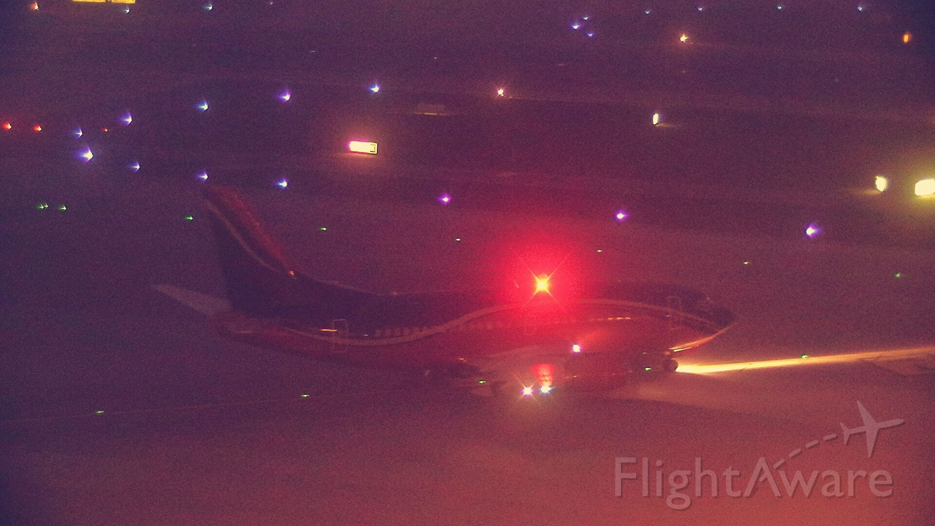 Boeing 737-700 (LY-KDT) - 19/12/2020.