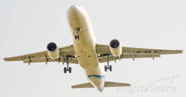Airbus A320 (B-8697)