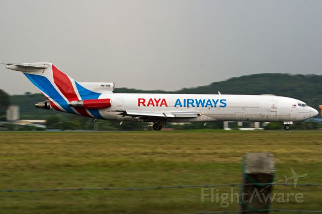Boeing 727-100 (9M-TGE)