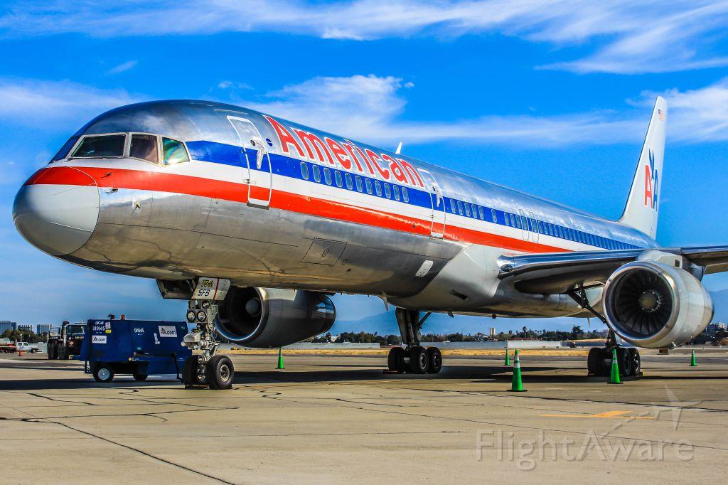 Boeing 757-200 (N192AN)