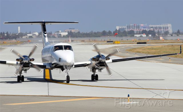 Beechcraft Super King Air 350 (N575RD) - Levi