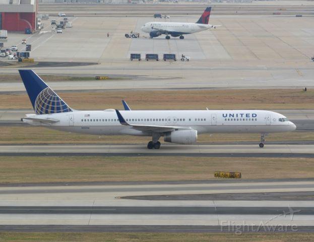 Boeing 757-200 (N12116) - A United Airlines Boeing 757-224(WL) (N12116) at Atlanta Hartsfield-Jackson Intl. Airport in November 2016.