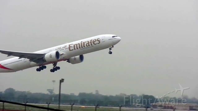 Boeing 777-200 — - boeing 777 taking off from lahore airport <br />Airport: Opla/Lhe<br />Airline : Emirates<br />Plane : Boeing777