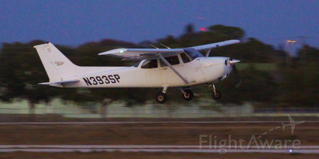 Cessna Skyhawk (N393SP)