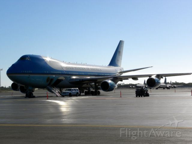 N29000 — - Air Force One parked at Hickham AFB in Honolulu during Presidential Vacation.