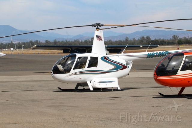 Robinson R-44 (N914RP) - KRDD - 1st time Ive seen an R-44II with luggage racks. This was parked in front of Air Shasta at Redding Sept 17th, 2016. Serial 11448 built 2006.