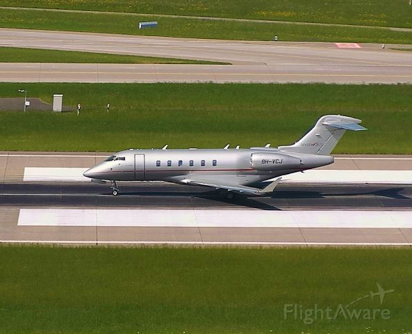 Bombardier Challenger 300 (9H-VCJ)