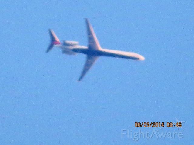 McDonnell Douglas MD-88 (N943DL) - Delta flight 2459 from Atlanta to Wichita over Baxter Springs Ks at 33,991 feet.