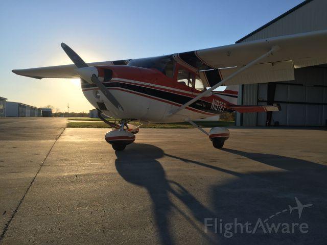 Cessna Skyhawk (N19727)