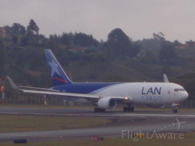 BOEING 767-300 (N312LA) - Bound to Miami as LAE1811