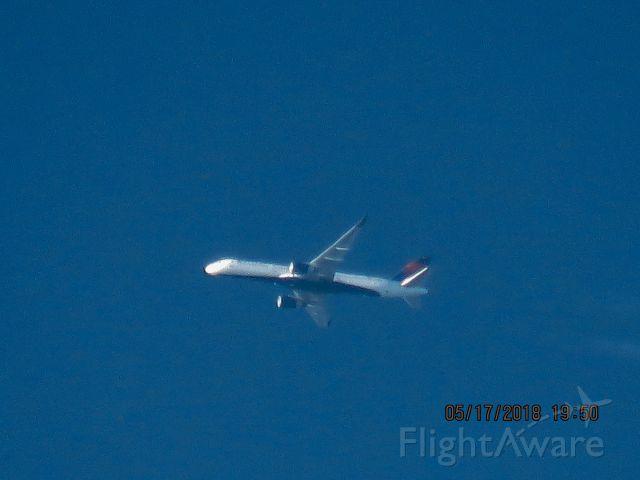 Boeing 757-200 (N960DL)