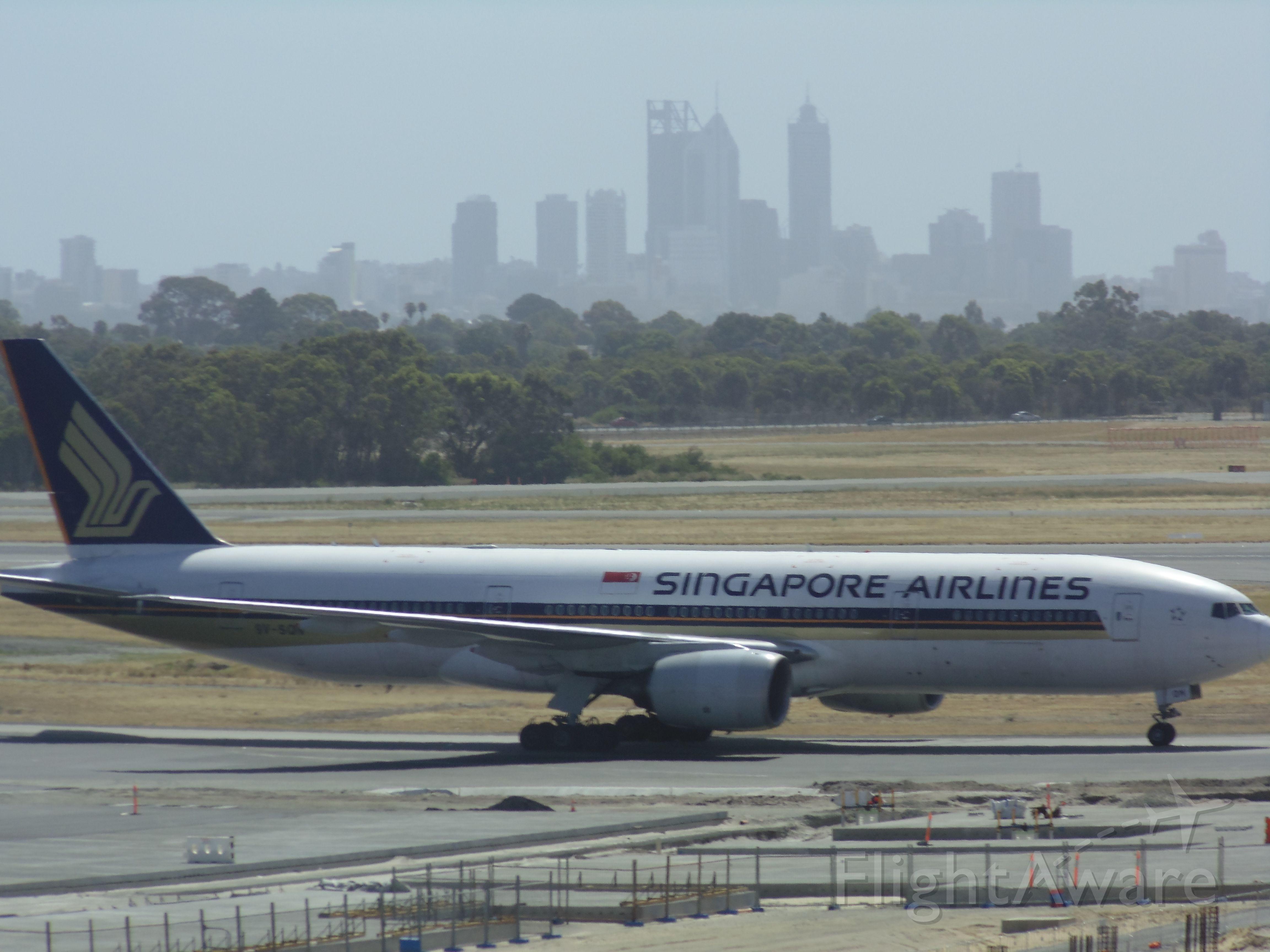 BOEING 777-300ER (9V-SQN)