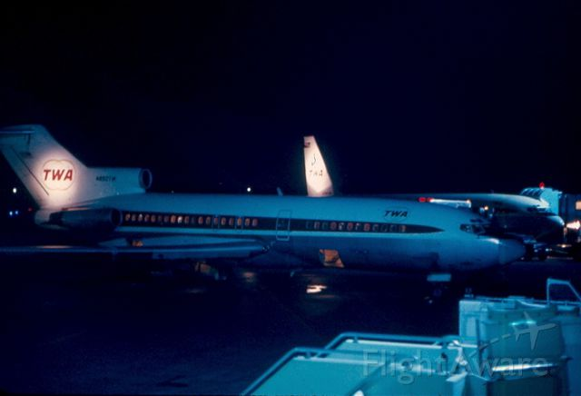 Boeing 727-100 — - Night time shot from obs deck on pier C of I believe a B727 and a B720 (no HF antenna on Vert stab) at KBWI